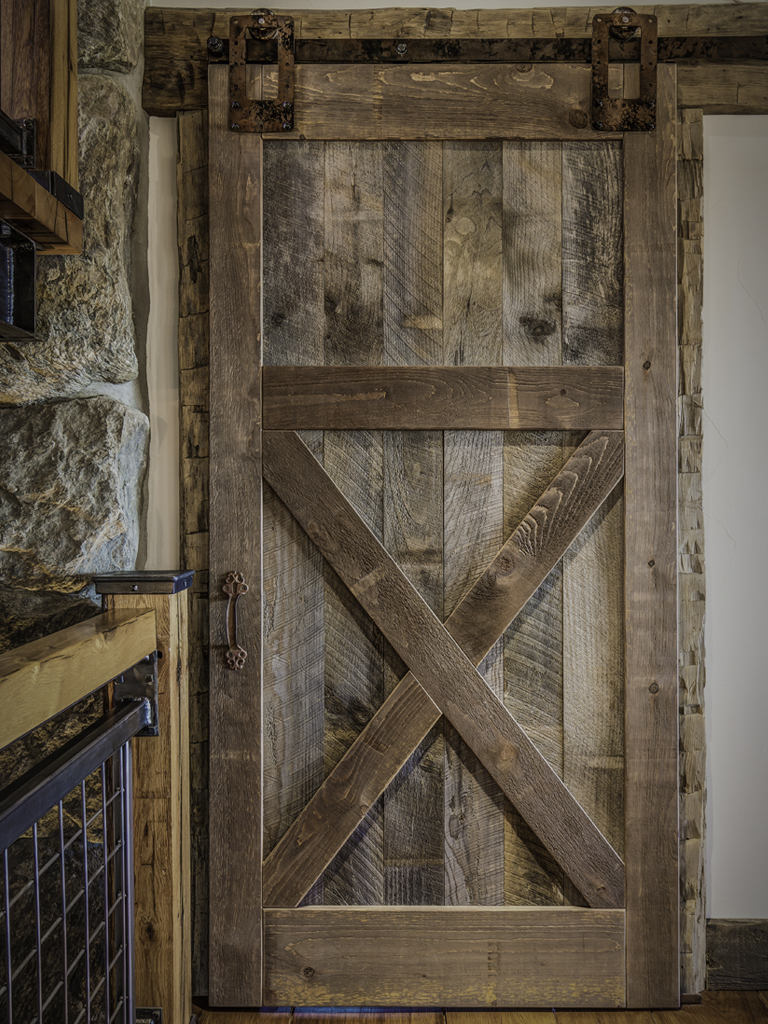 Interior design barn doors recycled pieces in interior for Barn door interior doors