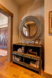 Guest Suite Hallway 2